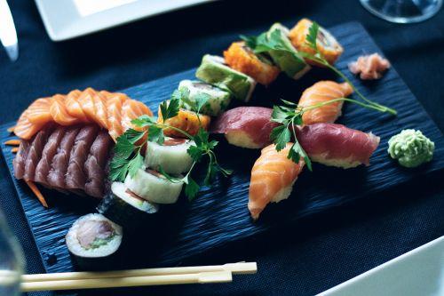 sushi salmon japanese
