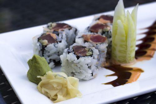 sushi tuna fish