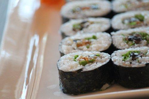 sushi  rolls  traditional