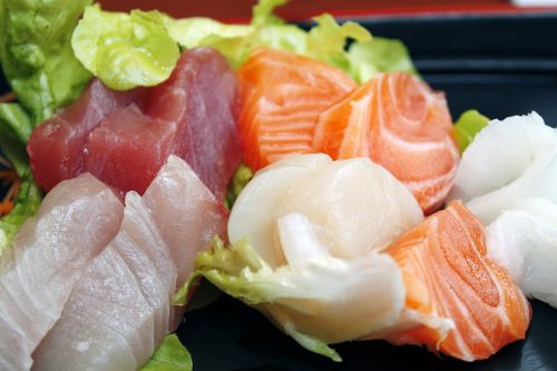 sushi japanese delicious