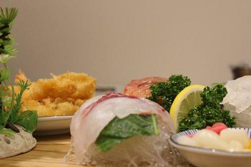 sushi  lol  time