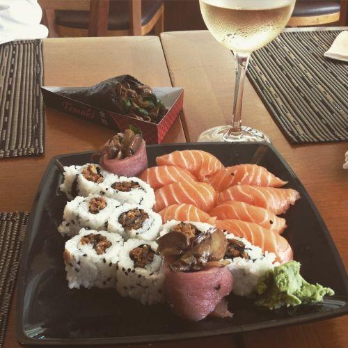 sushi sashimi sushi rolls