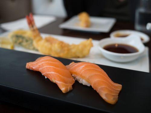 sushi sake nigiri