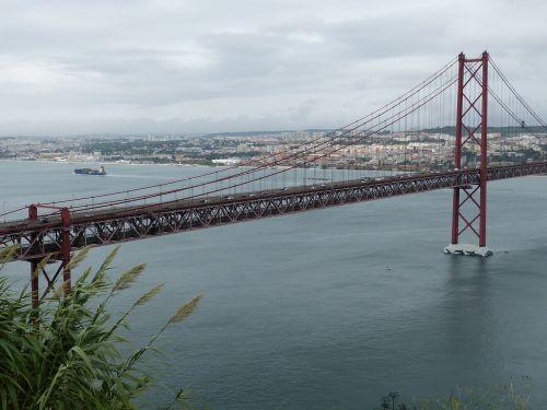suspension bridge lisbon portugal