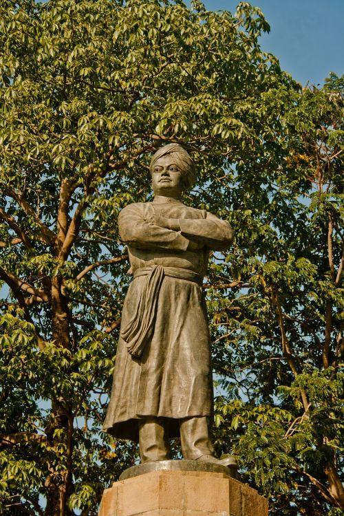 swami vivekanand statue india