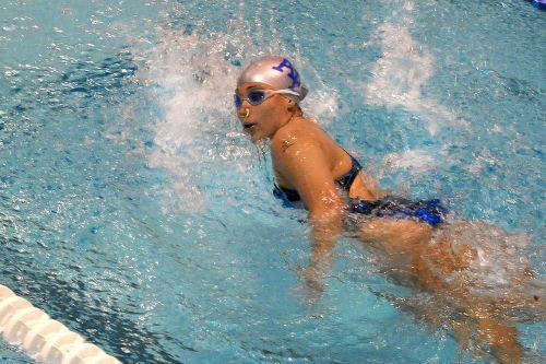 swimmer training lane