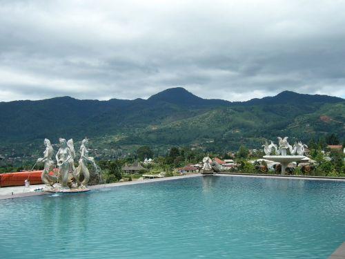 swimming pool mountain hill