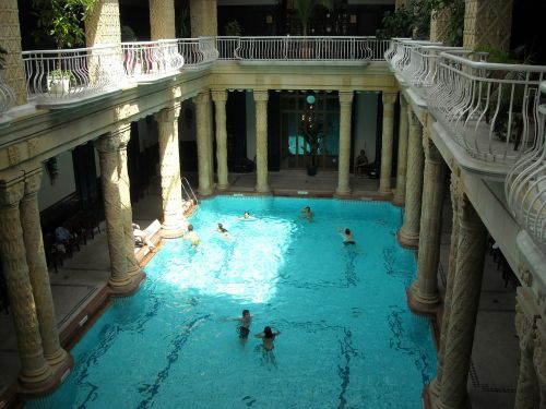 swimming pool hotel gellert