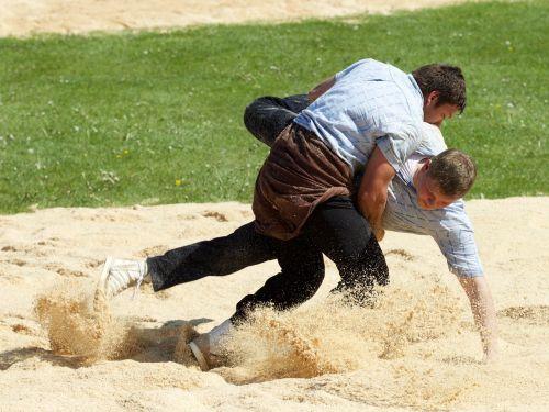 swing sawdust sport