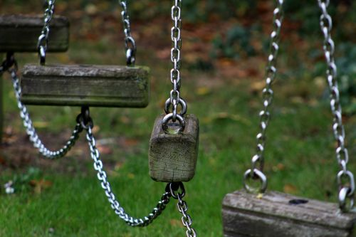 swing chains climbing frame