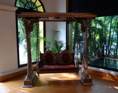 swing ornate style