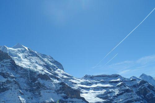 swiss jungfraujoch snow