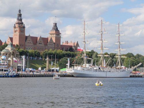 szczecin the old town sailing ship