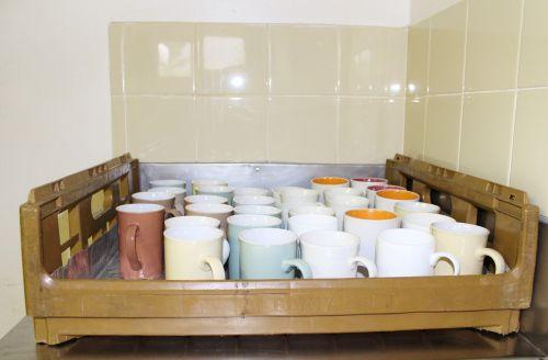 t kitchen tableware