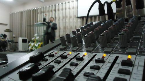 table sound mixer