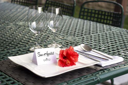 table setting bon appetit