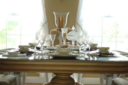 table setting dining room