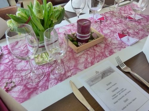 table decorations communion of children tulips