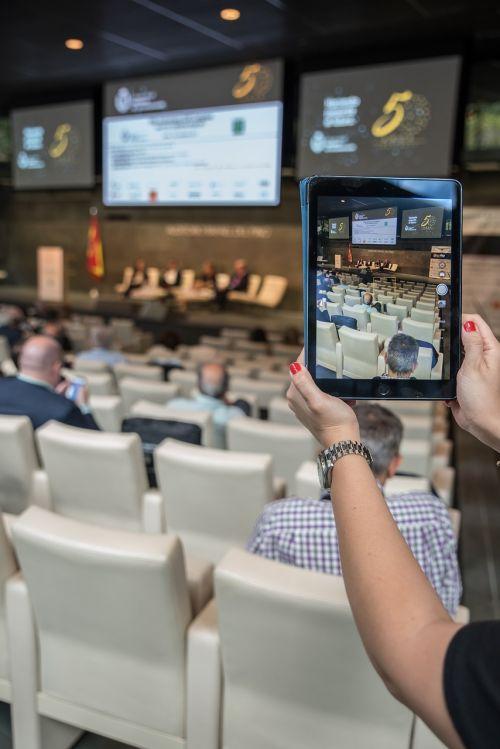 tablet congress auditorium