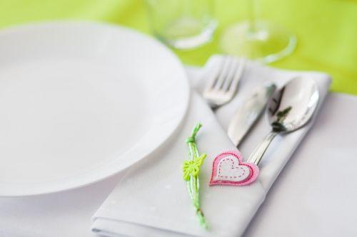 tableware covering cutlery