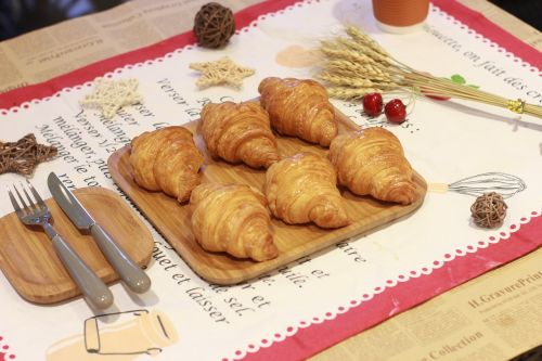 tableware bread golden horn