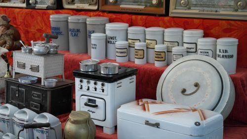 tableware junk market