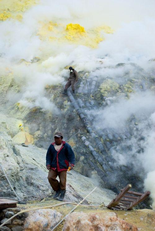 sulfur work volcano
