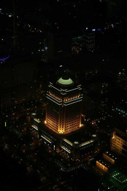 taiwan night building