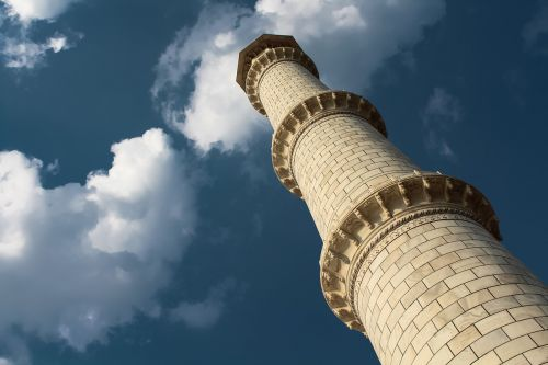 tajmahal minaret india