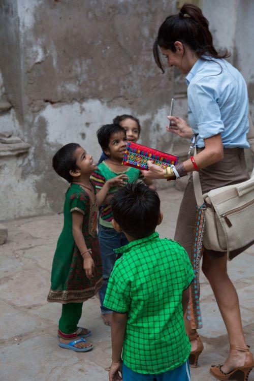 taking photo india children