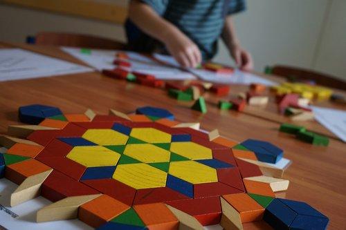 tangram  kid  play