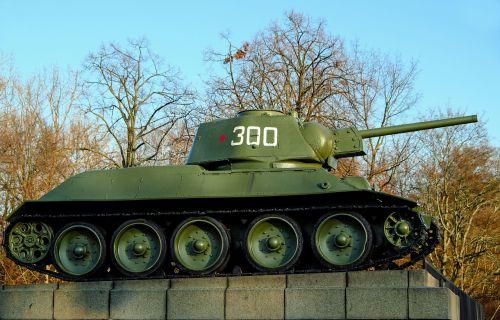 tank t-34 76 world war ii fallen