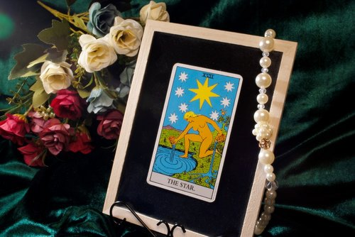 tarot  card  oracre