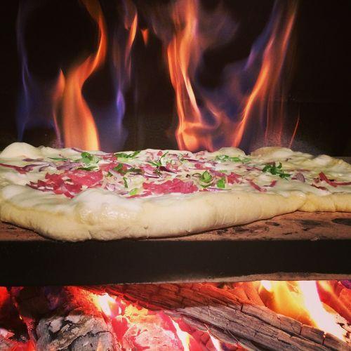 tarte flambée pizza wood burning stove