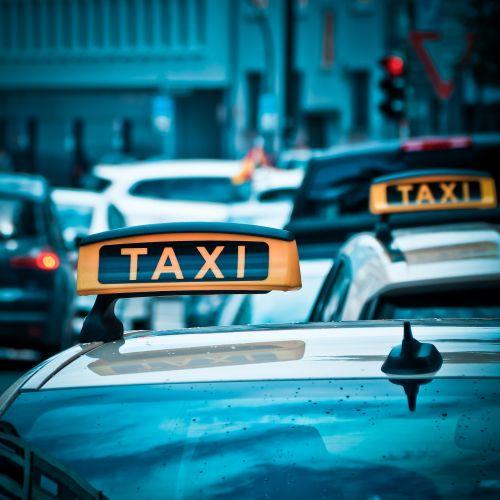 taxi auto road