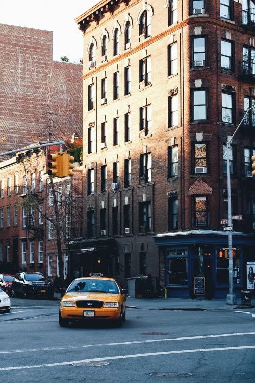 taksi,Taksi,geltona,automobiliai,Taksi,kelias,gatvė,sankryža,dangas,šulinys,pastatai,miestas,miesto