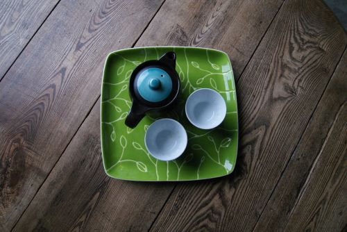 tea cup wooden table