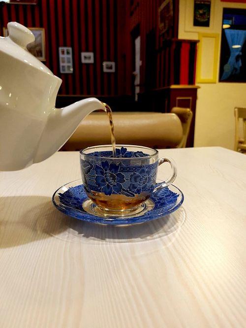 tea cup water