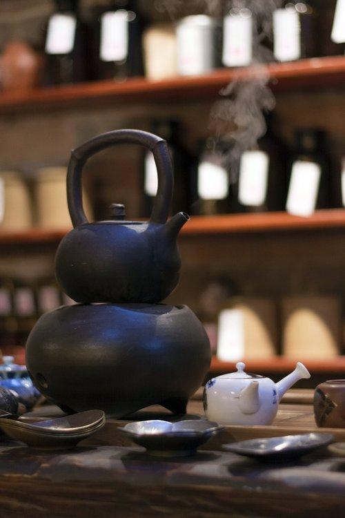 tea  kettle  boiling