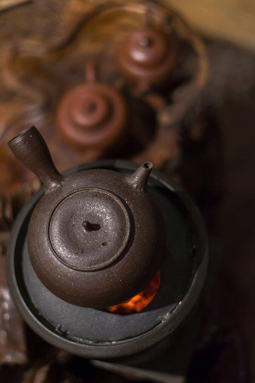 tea  boiling  hot