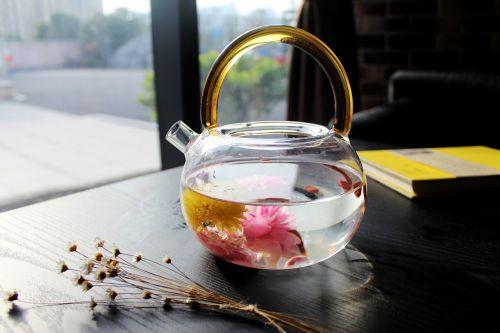 tea rose corolla café book