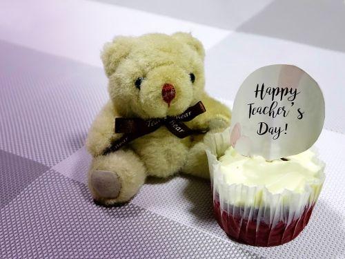 teacher's day cupcake bear