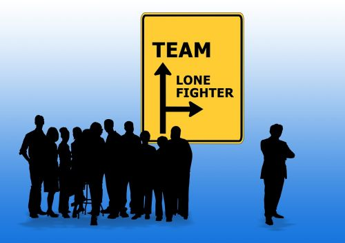 team lone town sign