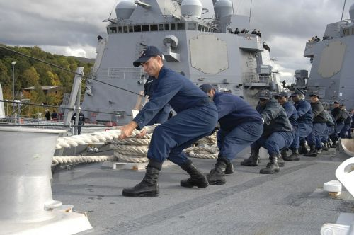 teamwork sailors military