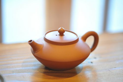 teapot tea brown