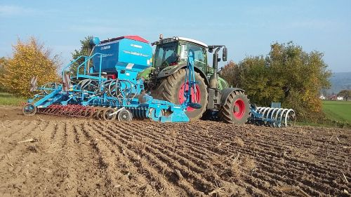 tractor arable agriculture