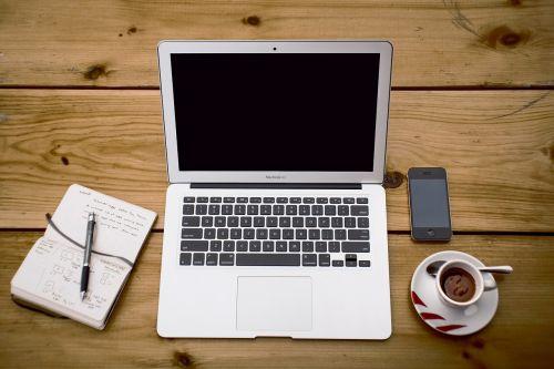 technologija,kompiuteris,nešiojamas kompiuteris,verslas,mediena,kava,Užrašų knygelė,rašiklis,espresso,iphone,telefonas,ląstelė