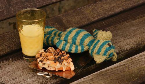 teddy bear knitted breakfast