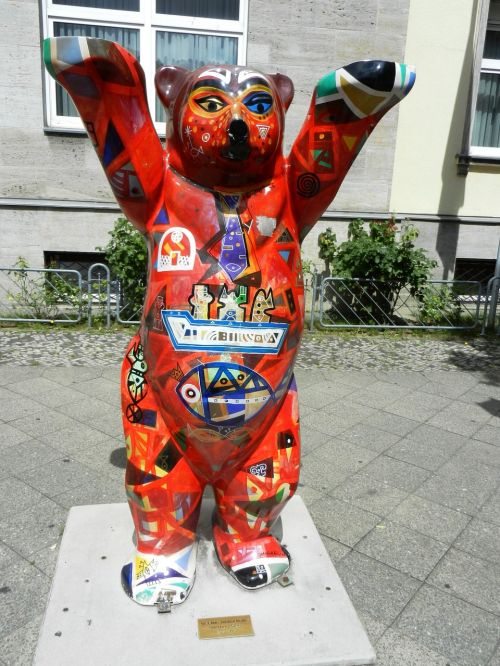 teddy bear berlin symbol