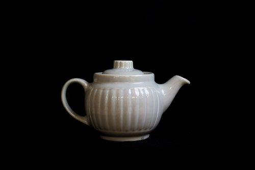 tee  tableware  porcelain
